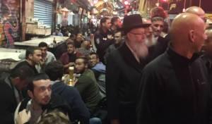 ליצמן בביקור פתע בשוק מחנה יהודה. ארכיון