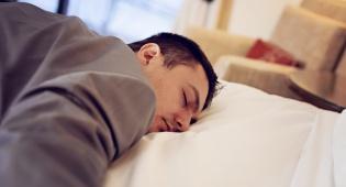 """הזוכה אינו יכול """"לישון על זכותו"""". אילוסטרציה - הזוכה """"ישן"""" במשך שנים, ההליכים נגד החייב בוטלו"""