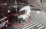 צפו: ילד על קורקינט נפגע מטנדר וניצל בנס