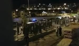 """ב""""ש: קנאים הפגינו נגד חסידי דז'יקוב ויז'ניץ"""
