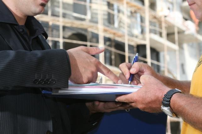 להתחייבות קבלן לפי חוק המכר יש תוקף?