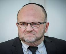 """עו""""ד מרדכי איזנברג - העו""""ד שמאיים בבג""""צ נגד הרשויות החרדיות"""