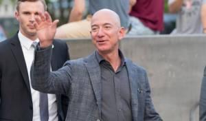 """ג'ף בזוס מייסד ומנכ""""ל אמזון הכי עשיר בעולם"""