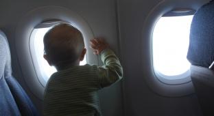 """הילדים יסעו עם אביהם לחו""""ל. אילוסטרציה - ביה""""ד הרבני: לא נמנע מילדים לנסוע לחו""""ל עם אביהם"""