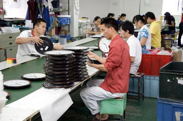 פועלים במפעל בסין
