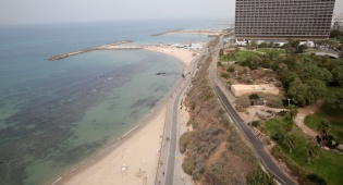 הים בתל אביב - התחזית: ללא שינוי, עדיין חם מהרגיל לעונה