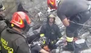 קריסת הגשר באיטליה: כך חולצו הנפגעים
