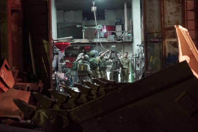 כוחות הביטחון סגרו בית מלאכה נוסף לנשק
