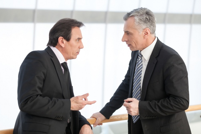 איך תדברו על המשכורות שלכם עם קולגות