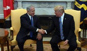 נתניהו וטראמפ - טראמפ: אולי אגיע לחנוך את השגרירות בי-ם