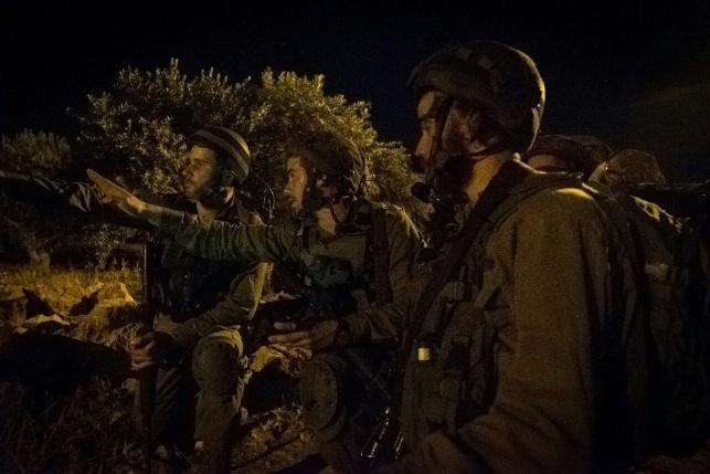 חיילים בפעולה, ארכיון
