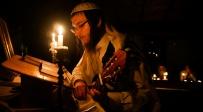 לאור הנר, עם גיטרות: סליחות ביישוב כדיתה