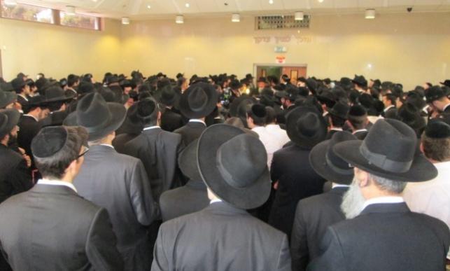 ההמונים במסע הלוויה