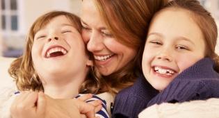 גם אמא חד הורית יכולה לנהל משפחה מאושרת