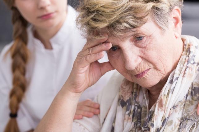 """הנכדה היכתה את הסבתא? """"סיפור אגדה"""". אילוסטרציה"""