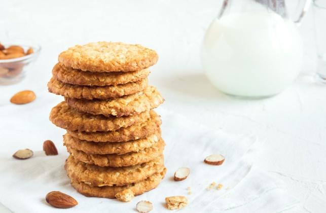 תכינו כמות כפולה: עוגיות שקדים פריכות שיתחסלו צ'יק צ'ק