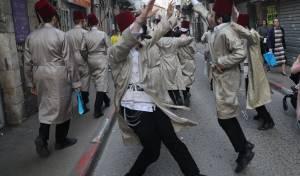 קדצ'קה באמצע הרחוב: גלריה באווירת החג