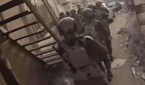 הלוחמים רודפים בסמטאות אחר רוצח חברם