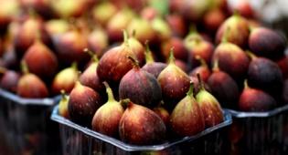 פירות (צילום: פלאש 90) - נלחמים בכתמי פירות: כל הטיפים