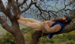 נווה אגמון בסינגל חדש: 'אל הרגע הזה כאן'