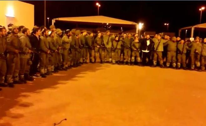 """החיילים שרו בהתרגשות: """"אני מאמין"""" • צפו"""