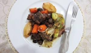 קדרת בשר עסיסית ועשירה - קדרת בשר עם ירקות שורש וערמונים ביין אדום