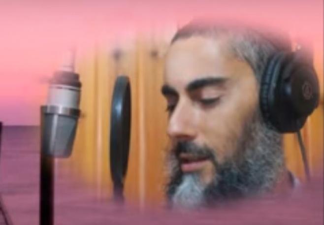 """מרדכי לוי בסינגל ביכורים - """"עמוק בלב"""""""