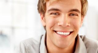 להלבין או לא להבין את השיניים? מדריך למחייך המתחיל