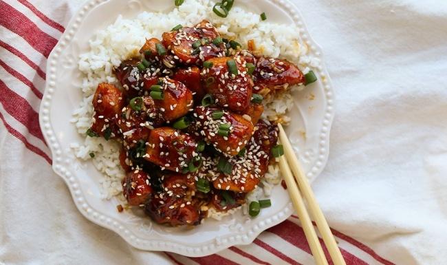נגיסי עוף ברוטב סויה ודבש פיקנטי - תכינו את האורז: נגיסי עוף ברוטב סויה ודבש פיקנטי