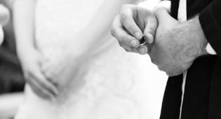 אל תקשיבו לעצה הזו לגבי הנישואין שלכם
