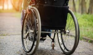 אילוסטרציה - נכה בכסא גלגלים נשכח הלילה ברכב הסעות