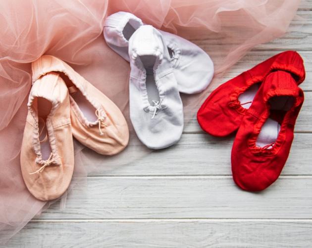 """אין כיף כזה: נעלי ה""""פיתה"""" חזרו למודה"""