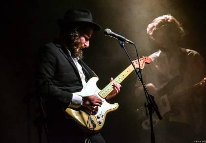 """""""גאולה"""": ברק גרוסברג בקטע גיטרה סוחף"""