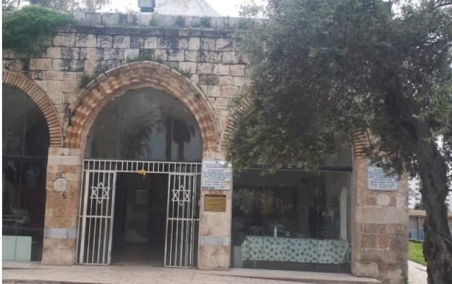 כך תופסק ההוללות בקבר רבן גמליאל