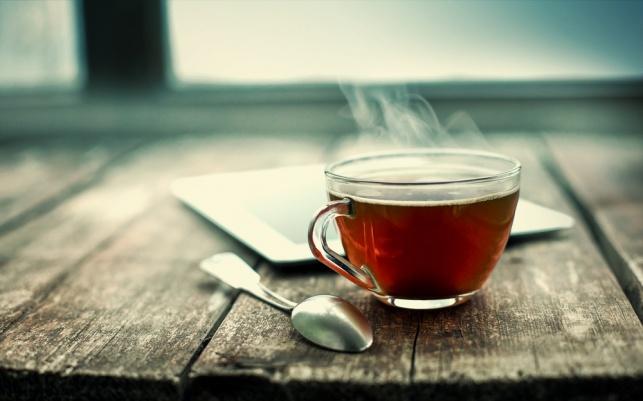 הכנת תה במיקרו: לא מקובלת, אך בריאה יותר