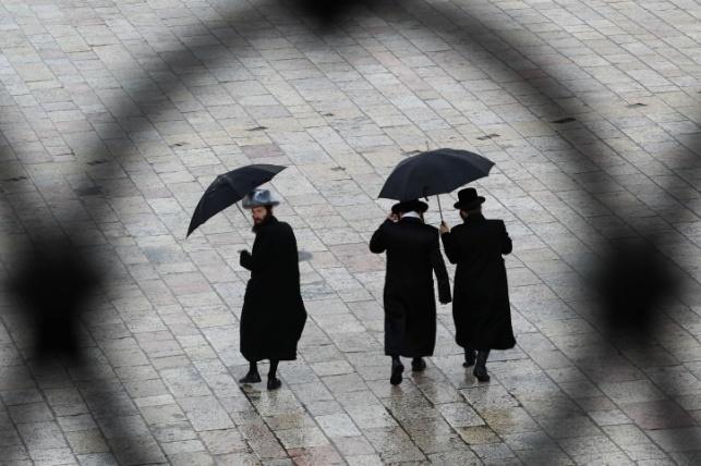 """הכינו את המטריות: תחזית לסופ""""ש גשום"""