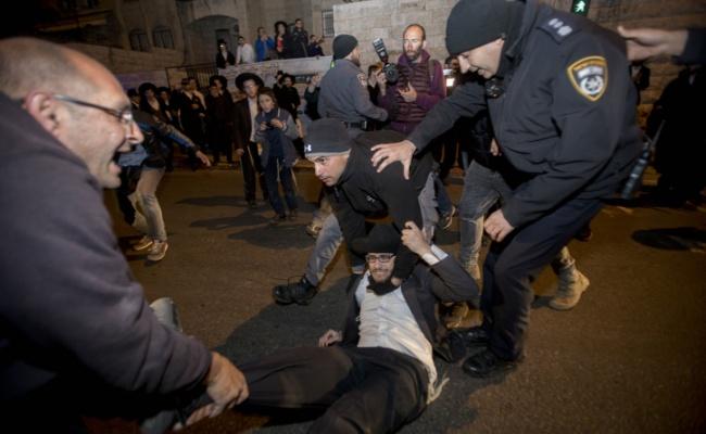 תקפו וגידפו: 27 עצורים בהפגנות 'הפלג', 3 שוטרים נפצעו