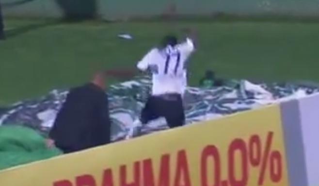 קורע: השחקן הבקיע - ונפל לבור