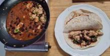 בתזמון מושלם עם מזג האוויר: תבשיל עוף ושעועית בצ'ילי