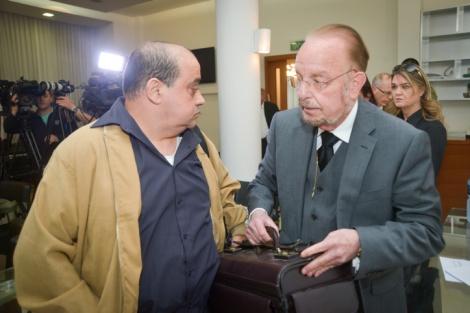 """עו""""ד שפטל ואביו של אלאור אזריה - סרטון המחבל מהר הבית: ראיה למען אזריה"""