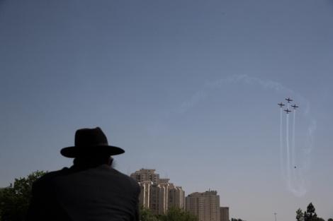 המטס בשמי ירושלים - התחזית: התחממות, חם ויבש מהרגיל לעונה