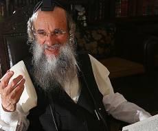 הרב גולדשמידט. ארכיון - הרבו בתפילה: החמרה במצבו של המשפיע