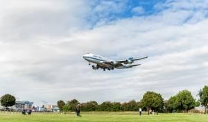 מטוס 'כווית' נוחת בנמל התעופה הת'רו