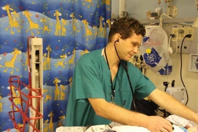 ד״ר דוד רכטמן מנהל מיון ילדים הדסה הר הצופים