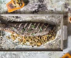מיוחד לשבת: דג במילוי פריקי על מצע דלורית