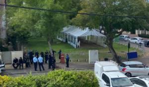 האוהל שנתניהו מול ביתו של בנט ברעננה