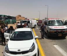 שמונה נפצעו בתאונה בין אוטובוס למשאית