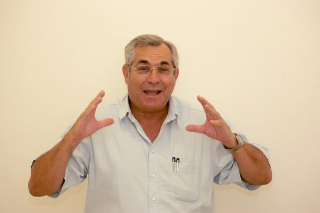 העיתונאי מוטי קירשנבאום הלך לעולמו