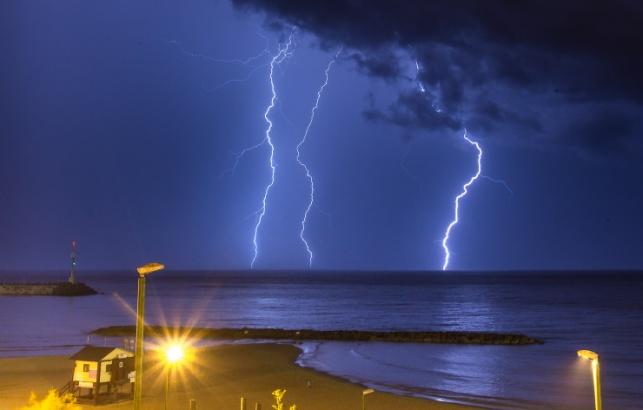 הסערה החורפית מתקרבת: גשמים, ברד ורוחות עזות