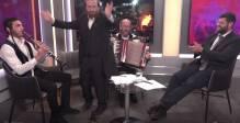 """שמח באולפן: הסיפורים והריקודים - שעשו את 'ל""""ג בעומר'"""